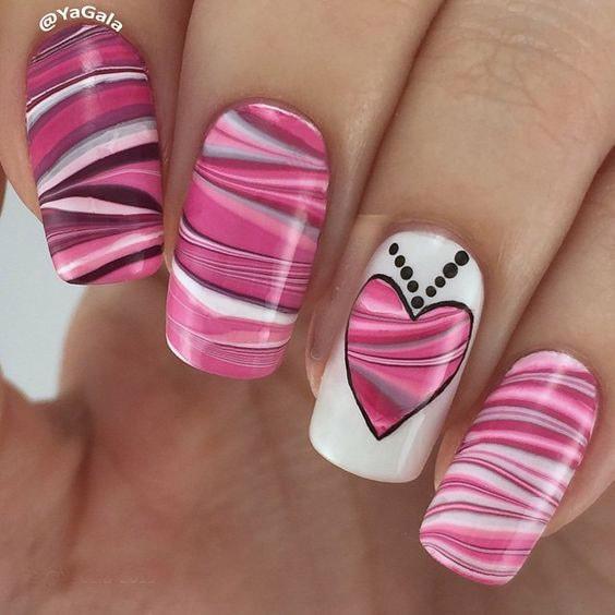 мраморно розовый дизайн с сердечком