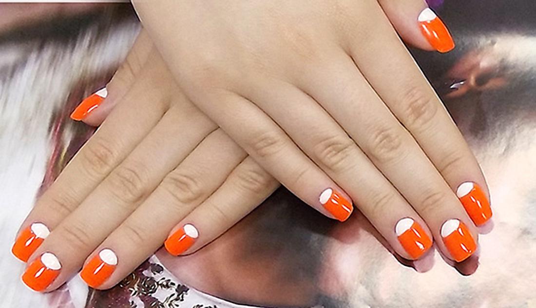 Oranzhevyj-lunnyj-manikyur-142.jpg