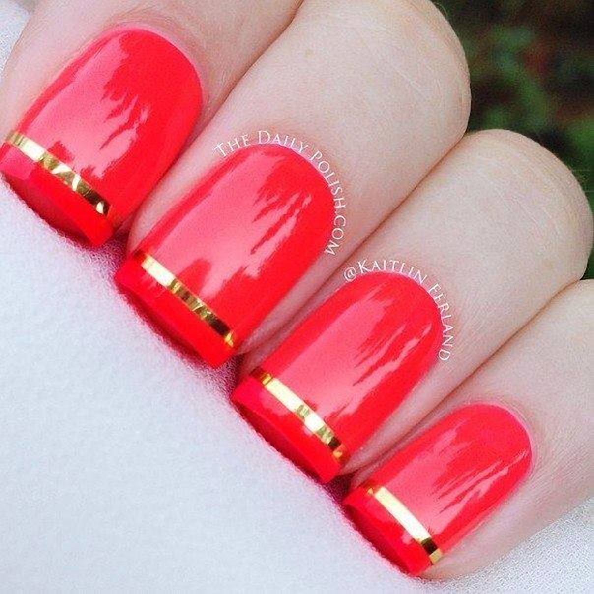 Модный красно-розовый маникюр 398