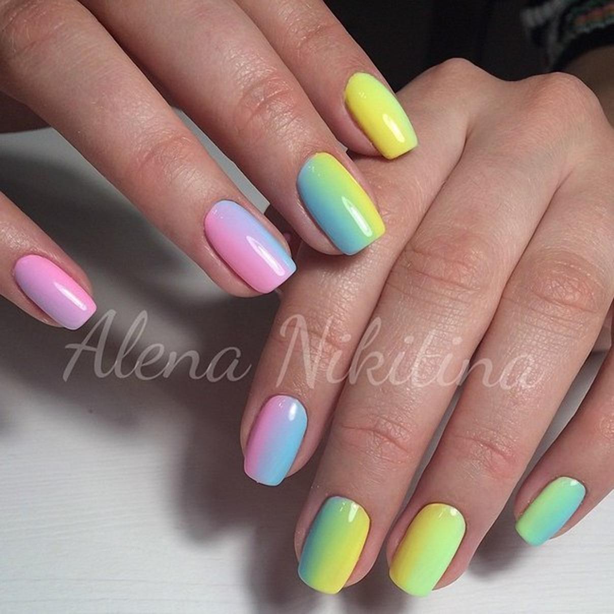 Класный разноцветный маникюр 336